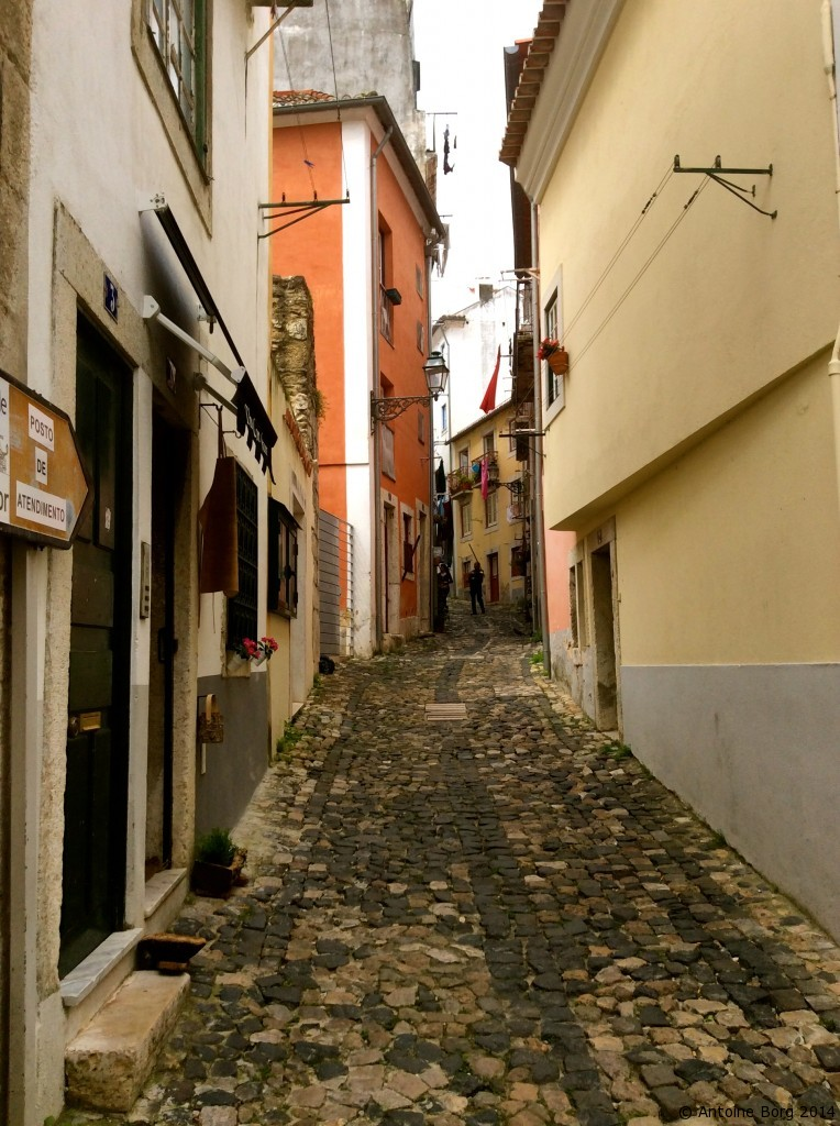The narrow streets and alleys of Lisbon - Portugal